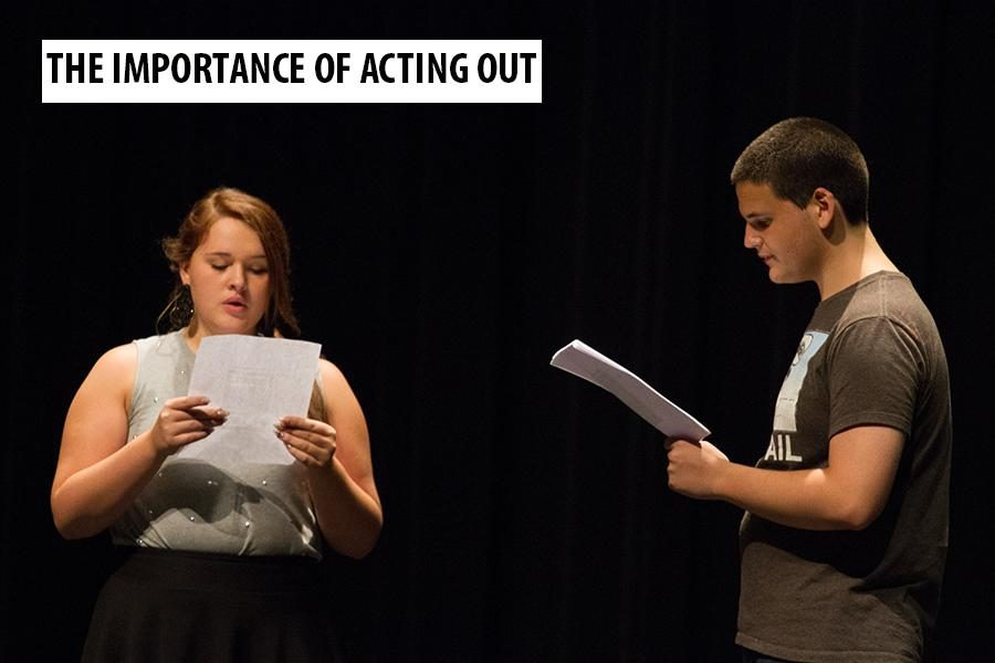 Juniors Caroline Parks and Alex McBay prepare for the Tiger Theatre Company's upcoming play.