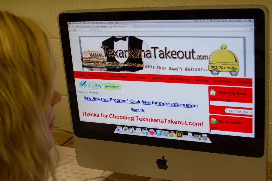 Senior Sara Rogers checks out TexarkanaTakeout.com in search of a way to be delivered food.