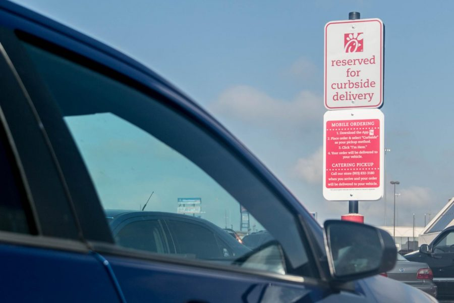 Fil A Introduces Mobile Mondays And Curbside Delivery
