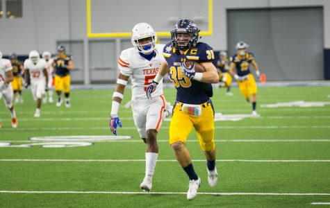 Texas High School finishes their 2017 season with a loss to Highland Park in the first round of the playoffs. The Tigers rallied late in the game and had momentum, but it was not enough to beat the clock.