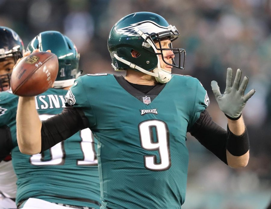Philadelphia Eagles quarterback Nick Foles completes a pass against the Atlanta Falcons in a NFC Divisional Game on January 13, 2018, at Lincoln Financial Field in Philadelphia. (Curtis Compton/Atlanta Journal-Constitution/TNS)