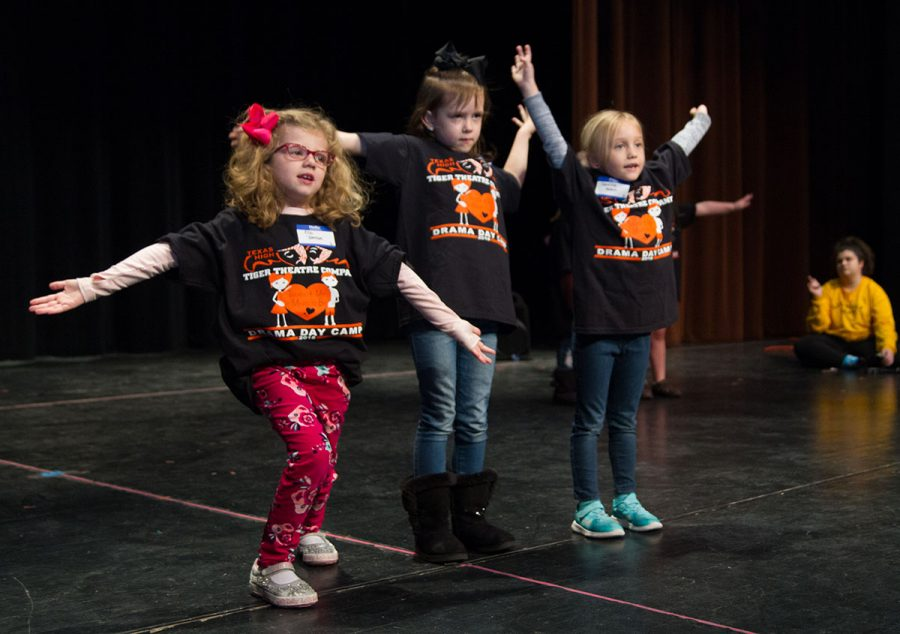 The+Tiger+Theatre+Company+held+a+drama+day+camp+for+children+on+Feb.+10.+During+the+classes%2C+they+learned+a+Valentine%27s+themed+performance%2C+and+worked+on+exercises.