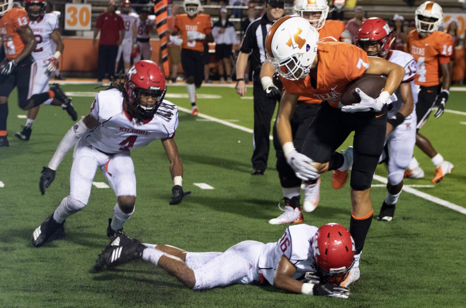 Senior wide receiver Myles Washington attempts to break away from a Kilgore defender. The Tigers play the John Tyler Lions tonight at Tiger Stadium at 7 p.m.