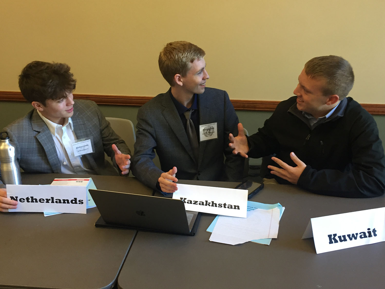 Senior Thomas Strutton debates other delegates in the United Nations Environmental Programme. The Texas High Model UN Delegation competed at the Arkansas Model United Nations on Nov. 16 and 17.
