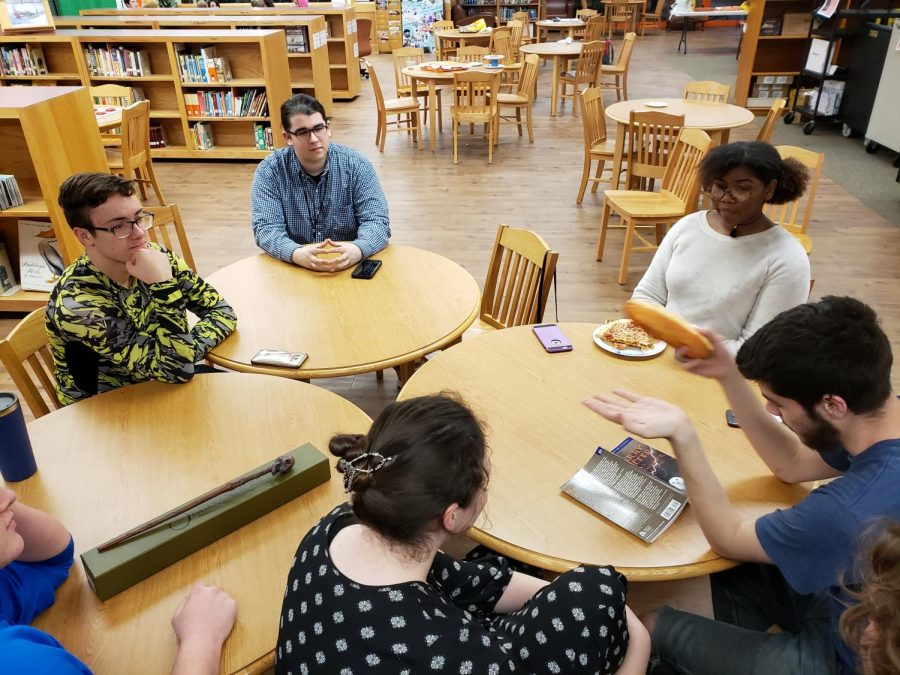 The Philosophy Club met to discuss various thoughts and viewpoints during their Night of Philosophy Feb. 15. This was the clubs first event hosting.