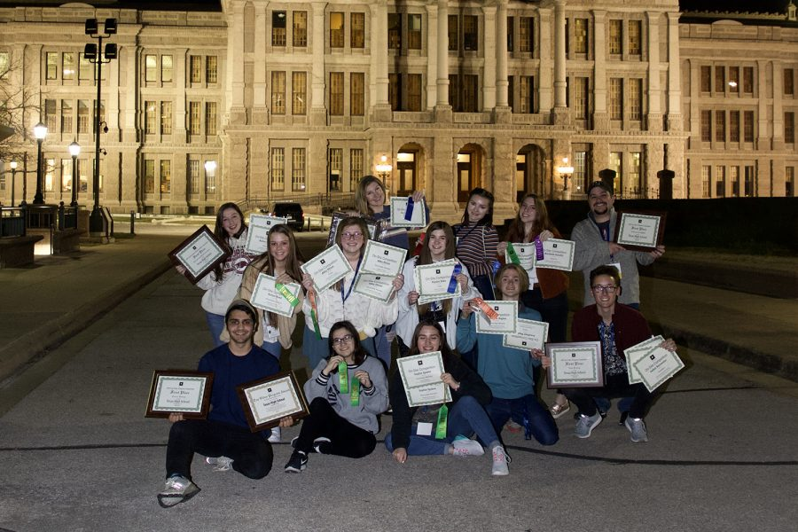Submitted+photo.+Texas+High+Photography+Staff+poses+with+their+awards+after+the+ATPI+2020+Winter+Conference.