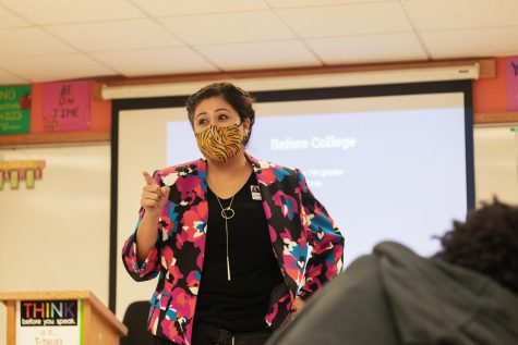 Mrs. Ochoa lectures Reach students about life lessons on Oct. 8,2020. The talk enlightened students in the class and served as an eye opener to the real world.