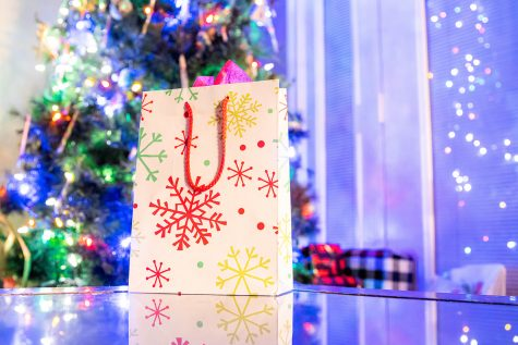 Here's a list of 12 festive and easy gifts to make on a budget.